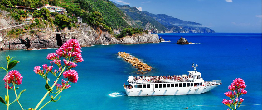 Visit Cinque Terre by Boat with a Private Tour From Livorno