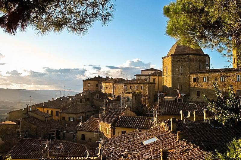 Volterra, a cruise excursion from Livorno Leghorn port with BellaItalia Tours