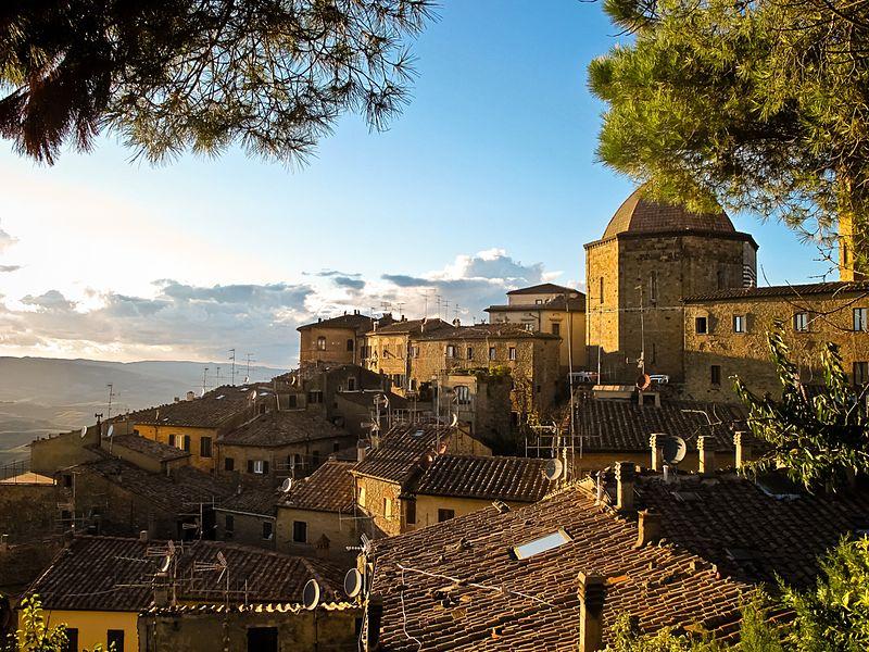 Volterra, a cruise excursion from Livorno Leghorn port with BellaItalia Tours