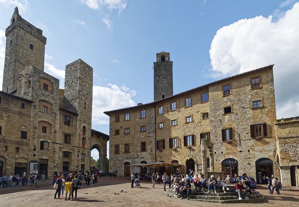 san-gimignano-towers-and-piazza