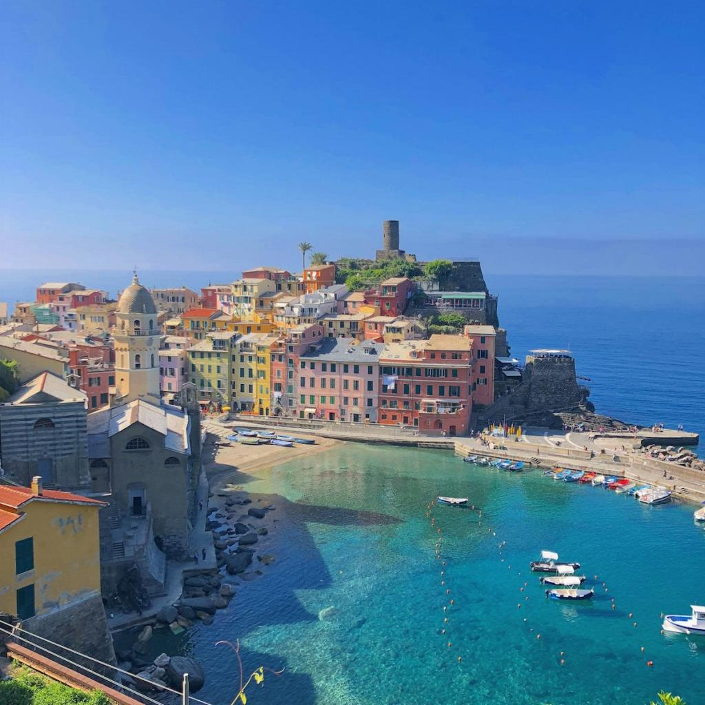 vernazza-a-must-see-of-cinque-terre-in -spring