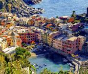 how-to-visit-cinque-terrehttps://www.bellaitaliatour.com/tours/best-cinque-terre-daytour-by-boat/th-bella-italia-tour