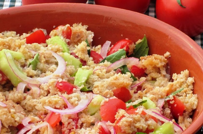 Panzanella - Typical Tuscan Dishes