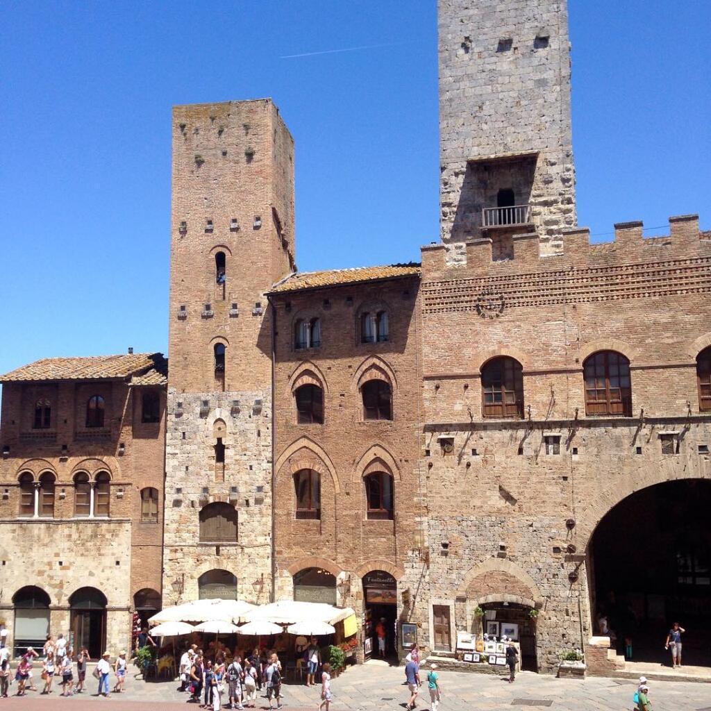 San Gimignano Piazza Duomo