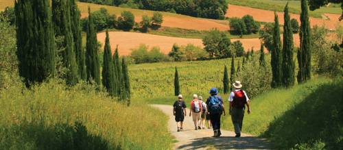 walking tour in tuscany