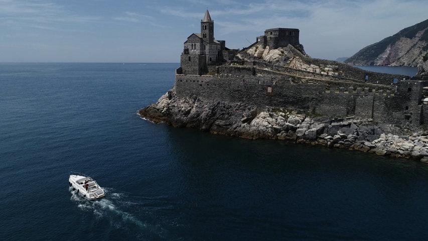 Cinque terre private boat tour portovenere