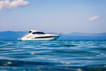motor boat elba island